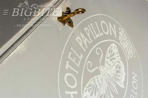 Screen printing:Hotel Papillon